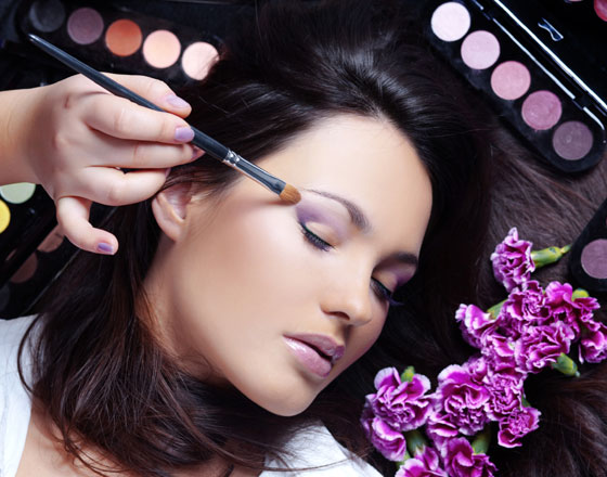 Specialized in threading,waxing and facial