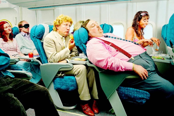 5 Tips to Survive a Long Flight