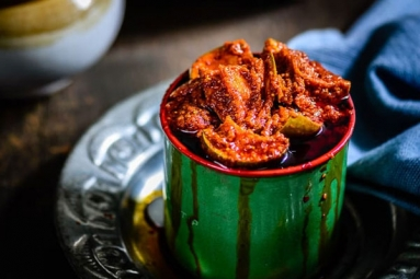 Mango Pickle/Aavakaaya Recipe: Savour Yourself with This Delicious Indian Pickle This Summer
