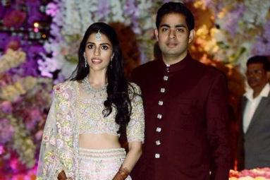 Ambani's Residence Decked up Ahead of Akash Ambani-Shloka Mehta Wedding