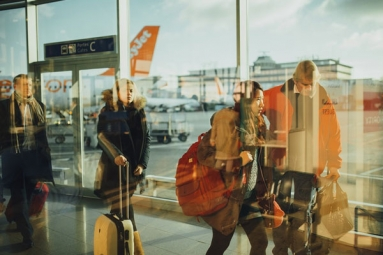 Artificial Intelligence May Help Air Travelers Save Money: Researchers