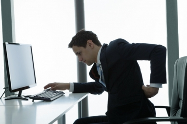 Bad Posture During Computer Use Leads to Back Pain