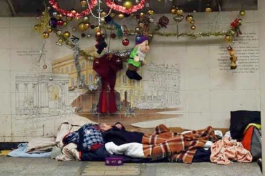 Indian-origin Businessman Brings Christmas Cheer to UK Homeless