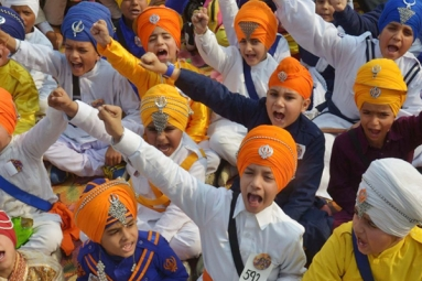 Five Year Sikh not allowed in to School for Wearing Turban