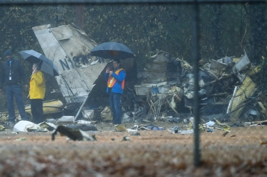 Four Killed as Jet Crashes into Football Field In Atlanta