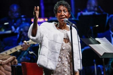 """Aretha Franklin """"Gravely Ill"""" With Cancer: Reports"""