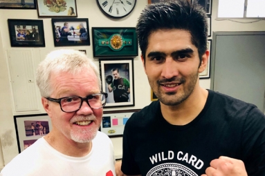 Indian Pro Boxer Vijender Singh To Make US Debut On April 12