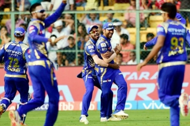 Mumbai Indians Sink Sunrisers Hyderabad