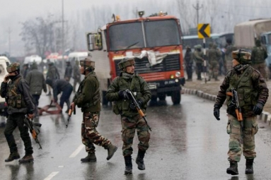 New York Times Calls Pulwama Terror Attack an 'Explosion', Indians Lash out at Newspaper