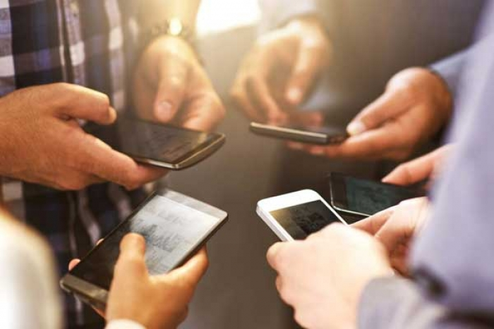 Government may Unveil Rs 36,000 cr plan to get more Phones Made in India