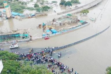 Record Rainfall In Chennai Paralyzes Life, Hammers Rescue Operations