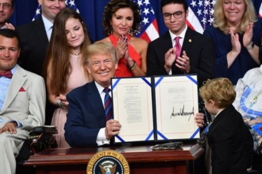 President Donald Trump Signs Right-to-Try law, Try Experimental Treatments