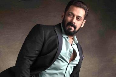 Salman Khan Signs Chiranjeevi's Lucifer Remake