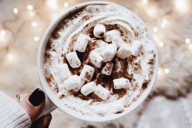 Spend Christmas This Year With The Best Hot Cocoa