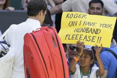 Wimbledon 2018: Roger Federer Makes a Brilliant Gesture Towards Indian-origin Fan