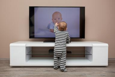 Is it good for toddler to watch TV?},{Is it good for toddler to watch TV?