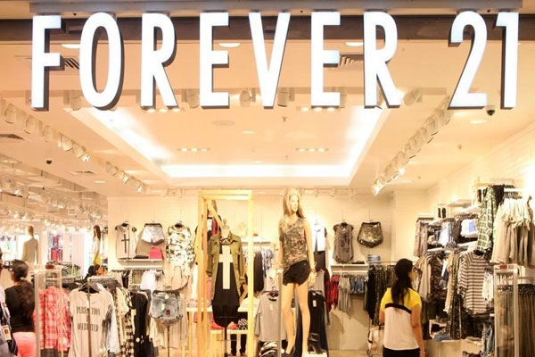 Forever 21, Burdened by Debt, Considers Filing for Bankruptcy