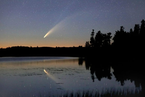 Comet Neowise Giving Stunning Night Time Show as it makes way into Solar System