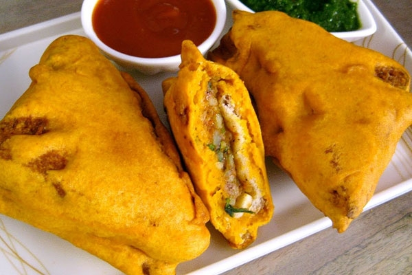 Tasty and Crispy Bread Pakora Recipe