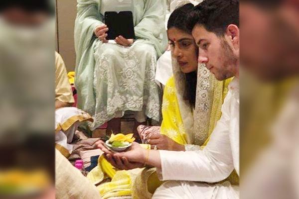 Priyanka Chopra, Nick Jonas Gets Engaged in Traditional Indian Affair