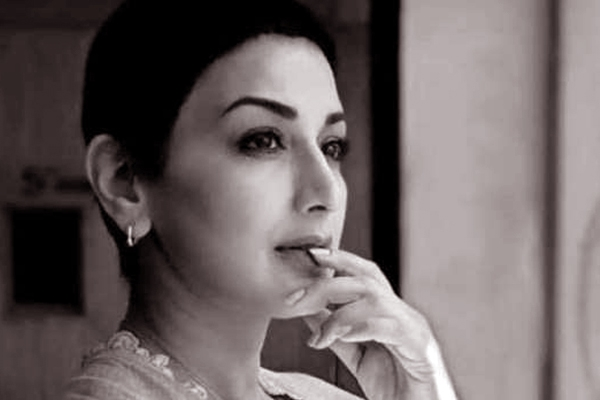 Cried for an Entire Night: Sonali Bendre Opens up About Her Cancer Phase